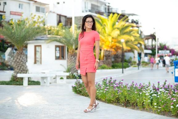 koraal-roze-jurk-my-huong-blogger