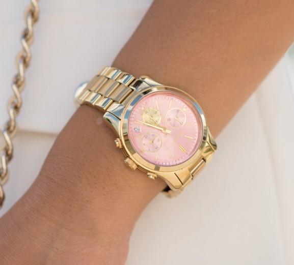 Michael-Kors-Horloge-577x521 Outfit: white classic