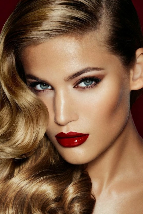 Make up fall trends red lips gloss