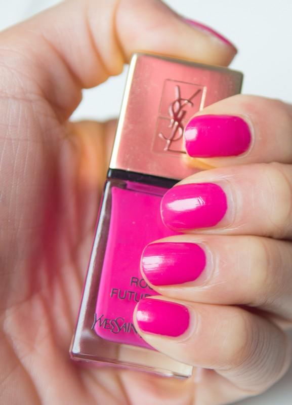 Nail-YSL-Vernis-Nagellak-Rose-Futuriste-577x800 YSL fuchsia lipstick & nagellak