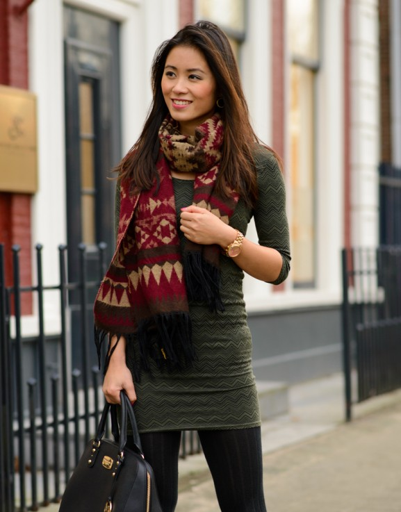 My-Huong-Fifty-six-577x737 Outfit: Christmas Colours