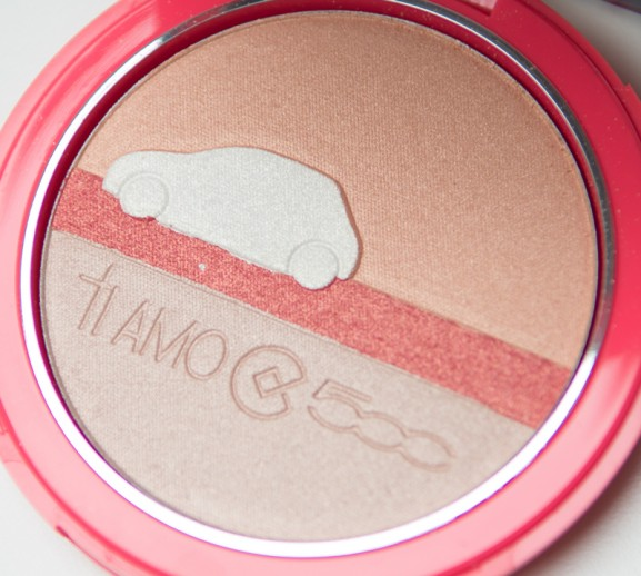 Blush-highlighter-strobing-look