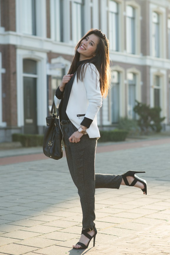 my-huong-outfit-look-black-suit