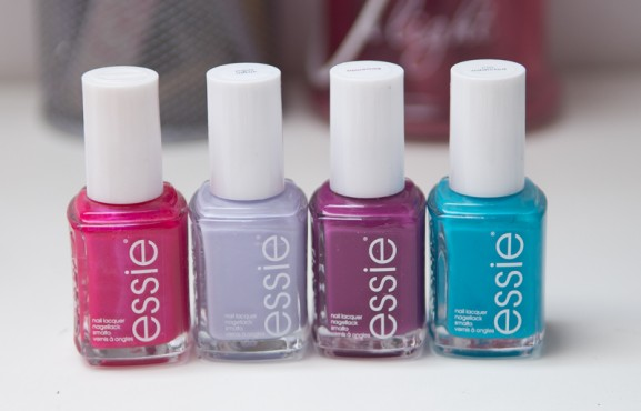 Essie-Nagellak-Flowerista-Im-addicted-Virgin-Snow