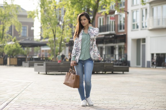 My-Huong-Outfit-Blazer-577x385 Outfit: Floral pastel green blazer