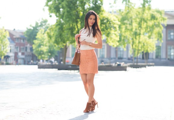 My-Huong-outfit-lace-pink-skirt