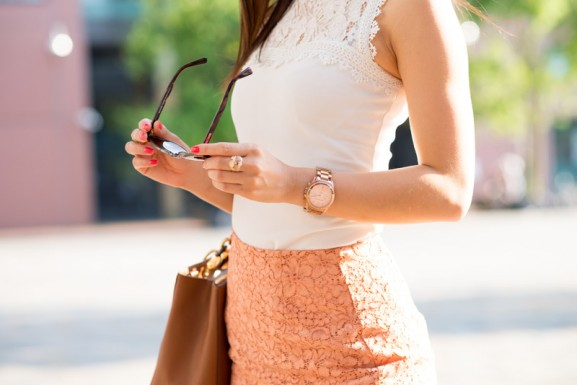 Peach-lace-skirt-summer-outfit-look