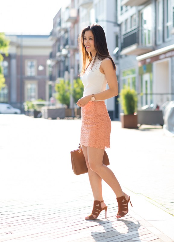 my-huong-lace-skirt-peach-white-michael-kors-cynthia-brown-outfit-blogger