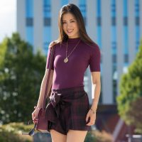 outfit-burgundy-short