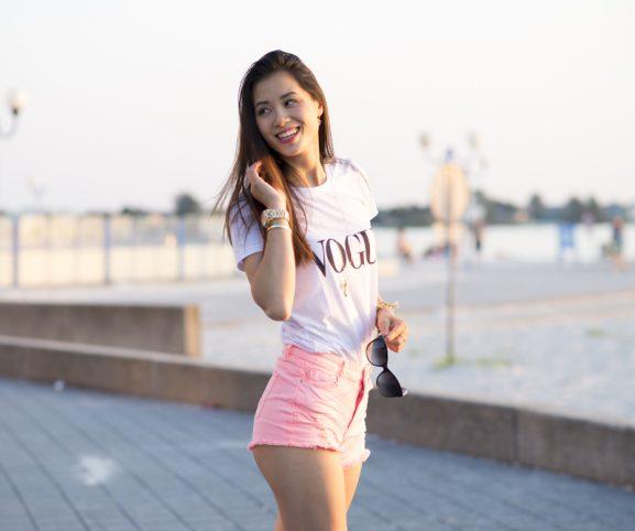 Vogue-T-shirt-Mi-Moneda-sieraden-2016-577x482 Outfit: Vogue t-shirt