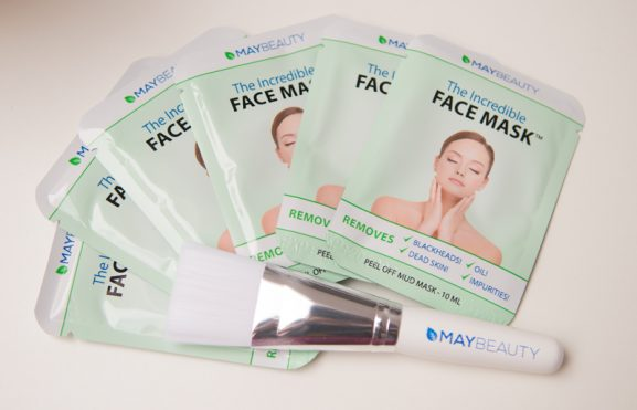 May-beauty-masker_black-sheet-masker-en-kwast-577x371 Review: The Incredible Face Mask