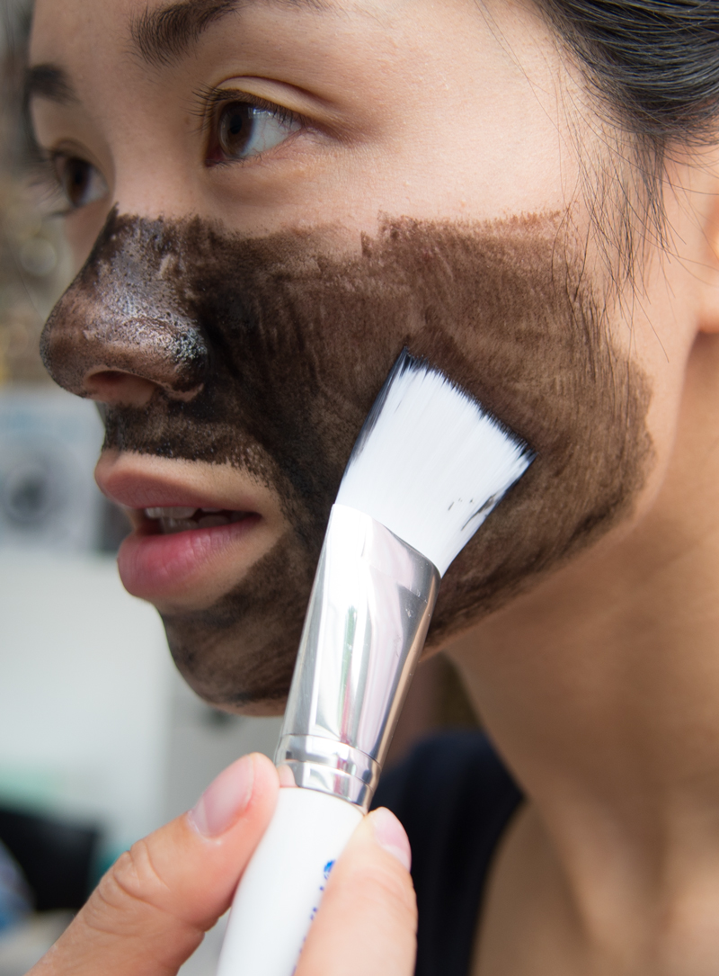 gezichtsmasker aanbrengen