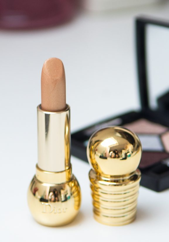 Diorific-lipstick-golden-kerstcollectie-2016-Christmas-2016-577x824 Diorific Golden lipstick & 5 Couleurs skyline