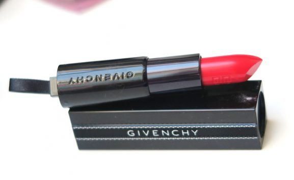 Rouge-interdit-red-givenchy-my-huong-577x353 Givenchy Points D'Encrage Lente-zomer make-up 2017