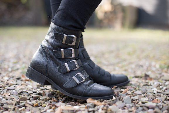 Sacha-biker-boots-laarsjes-577x385 Outfit: All Black and Biker boots