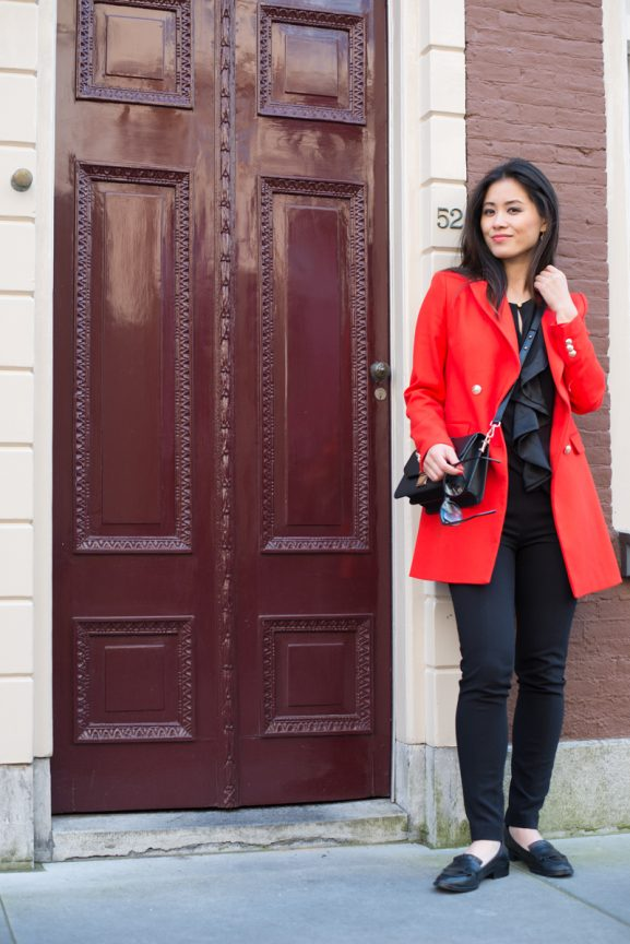 red-jacket-blazer-look-577x864 Outfit: Red Jacket en black loafers