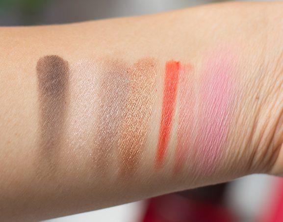 Swatches-YSL-travel-Palette_eyeshadow_pigmentatie_lipstick_blush