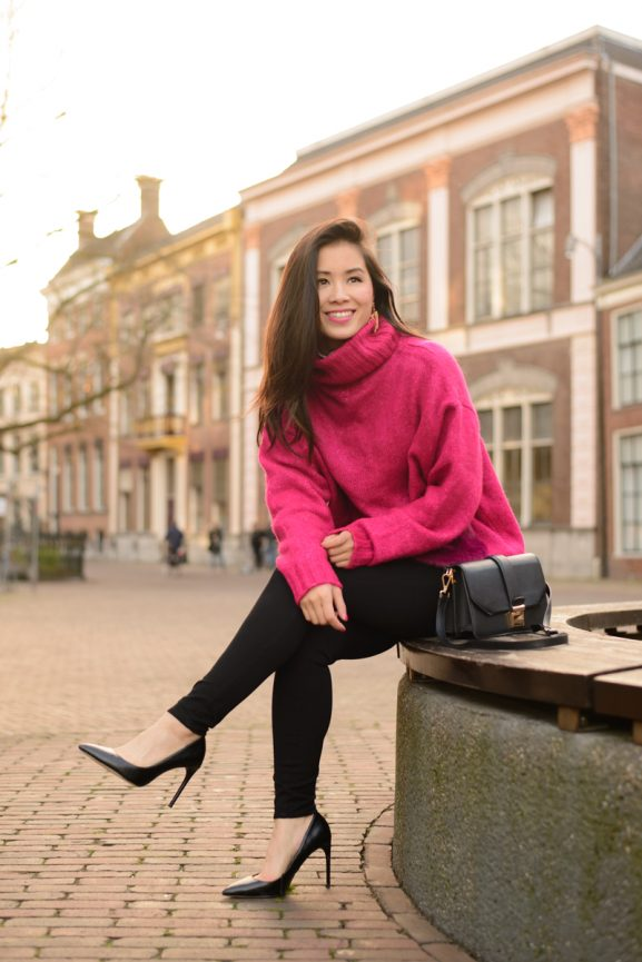 my-huong-Pink-fluffy-trousers-black-pants-577x865 Outfit: Roze fluffy trui